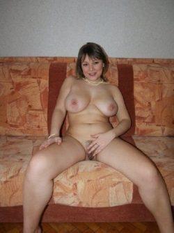 Познакомлюсь с парнем в Бийске для секс встреч. Я стройная сексапильная с сочными формами девушка.
