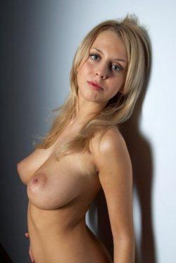 Сексуальная блондиночка. Ищу  мужчину для встречи.